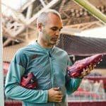 Asics offre une paire unique à Iniesta pour la finale de la Coupe de l'Empereur