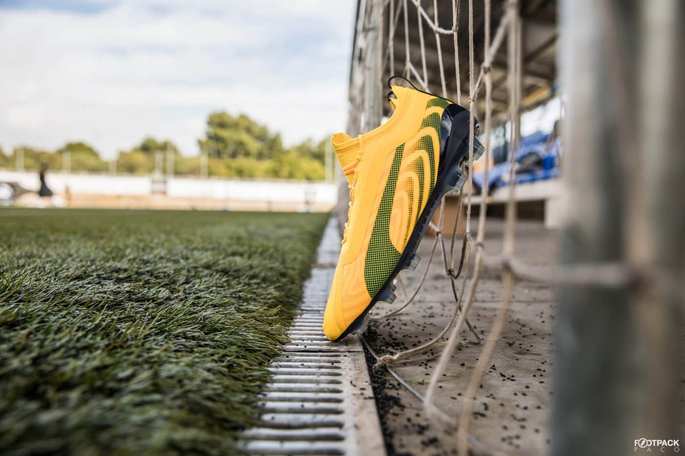 chaussures-de-foot-puma-one-5.1-spark-janvier-2020-footpack-7