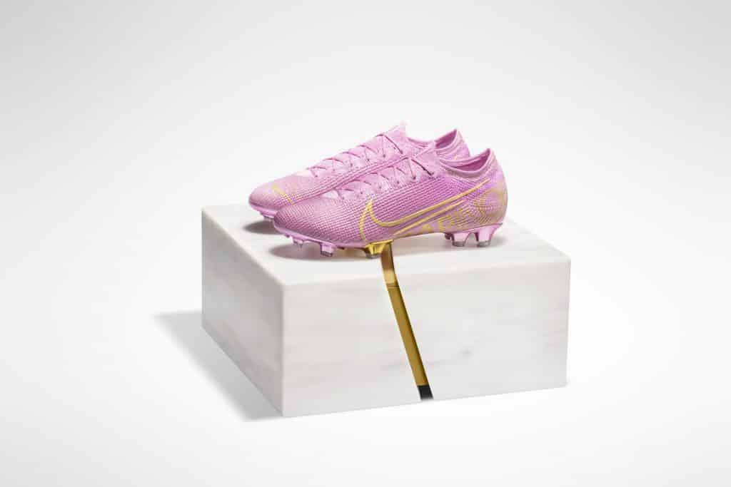 chaussures-nike-mercurial-vapor-13-megan-rapinoe-ballon-or-2019-1