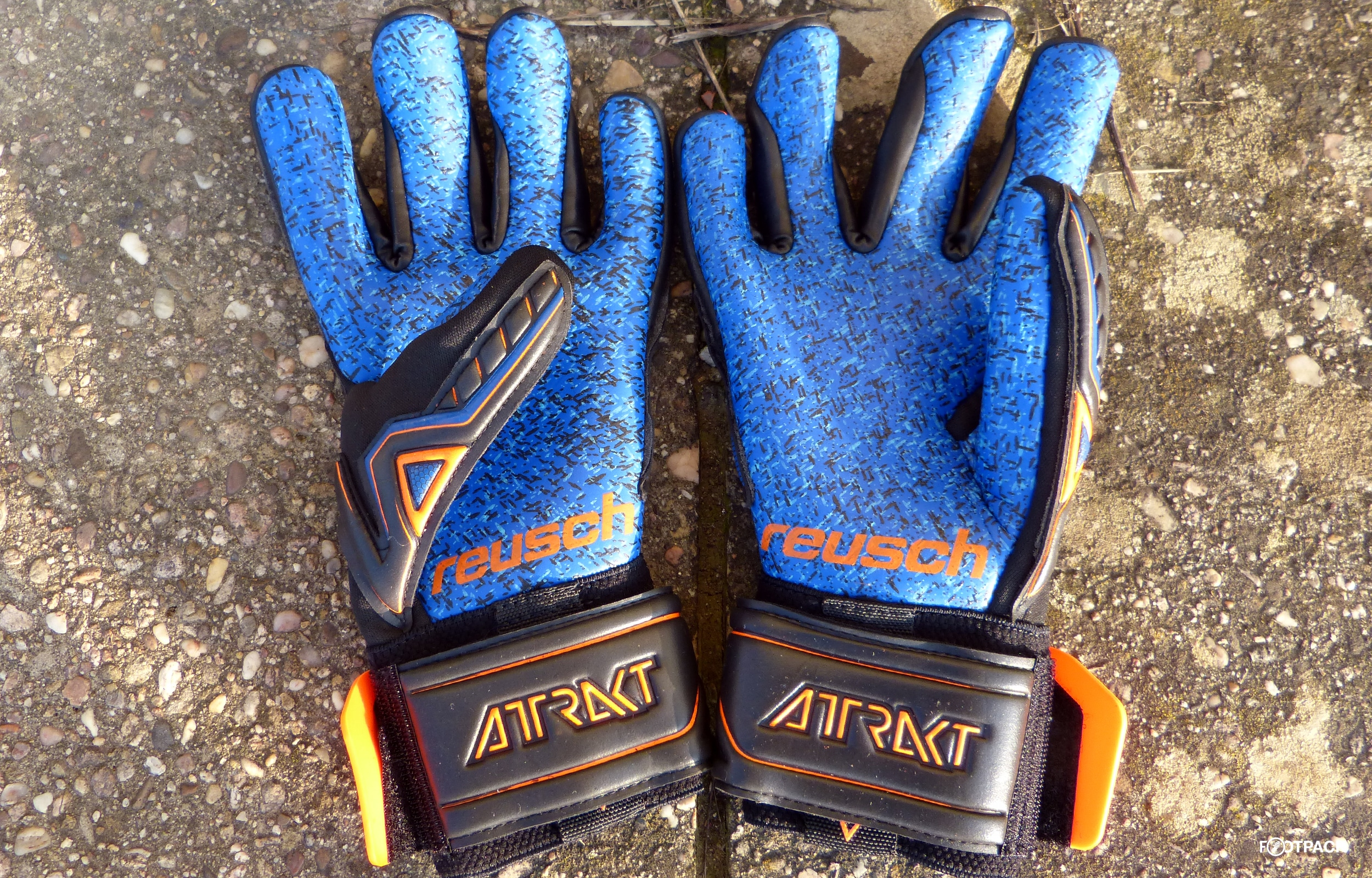 gants-reusch-collection-attrakt-4