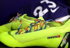 Image de l'article Pourquoi les joueurs de Premier League portent des lacets arc-en-ciel ?