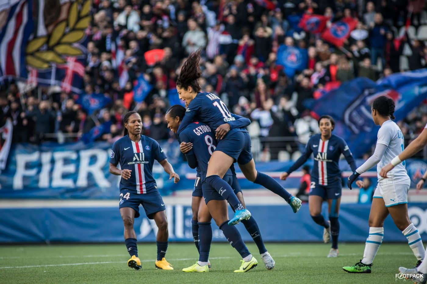 au-stade-paris-saint-germain-psg-olympique-de-marseille-d1-feminine-arkema-footpack-13