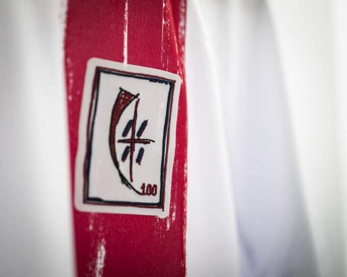 maillot-100-ans-cagliari-janvier-2020-macron-