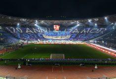 Image de l'article La Lazio Rome fête ses 120 ans avec un maillot inspiré des années 90