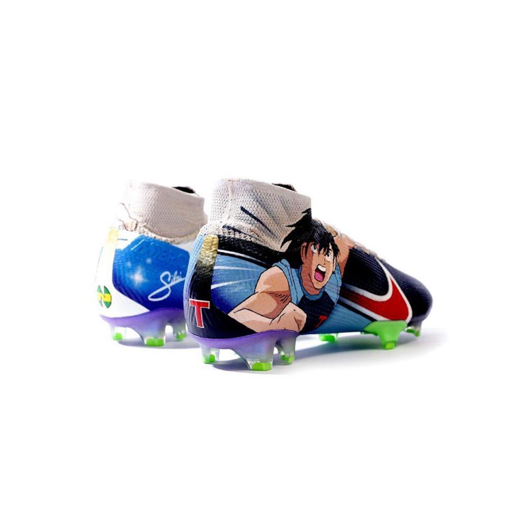 Des Nike Mercurial Superfly Aux Couleurs D Olive Et Tom