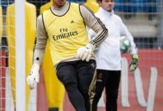 Image de l'article Alphonse Areola avec une nouvelle paire de gants uhlsport ?