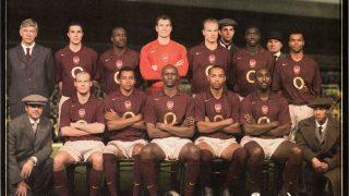 Image de l'article Histoire d'un maillot mythique : Arsenal «Highbury farewell» de 2006