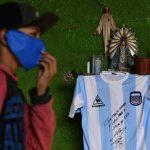 Un maillot de Maradona aux enchères pour lutter contre la pauvreté