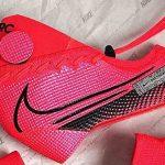 Quand une paire de Nike Mercurial devient un masque de protection!