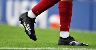 Image de l'article Les chaussures «Black Lives Matter» de Trent Alexander-Arnold sont à gagner