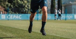 Image de l'article Florian Thauvin avec de nouveaux crampons masqués à l'entraînement