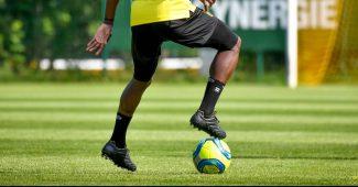 Image de l'article Quand un joueur du FC Nantes porte des crampons Pantofola D'Oro