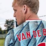 L'Ajax Amsterdam et adidas présentent les maillots 2020-2021
