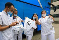 Image de l'article Puma et l'OM offrent 15 000 maillots aux soignants