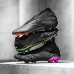 « Darkmotion », le nouveau pack de crampons full black d'adidas