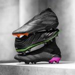 «Darkmotion», le nouveau pack de crampons full black d'adidas