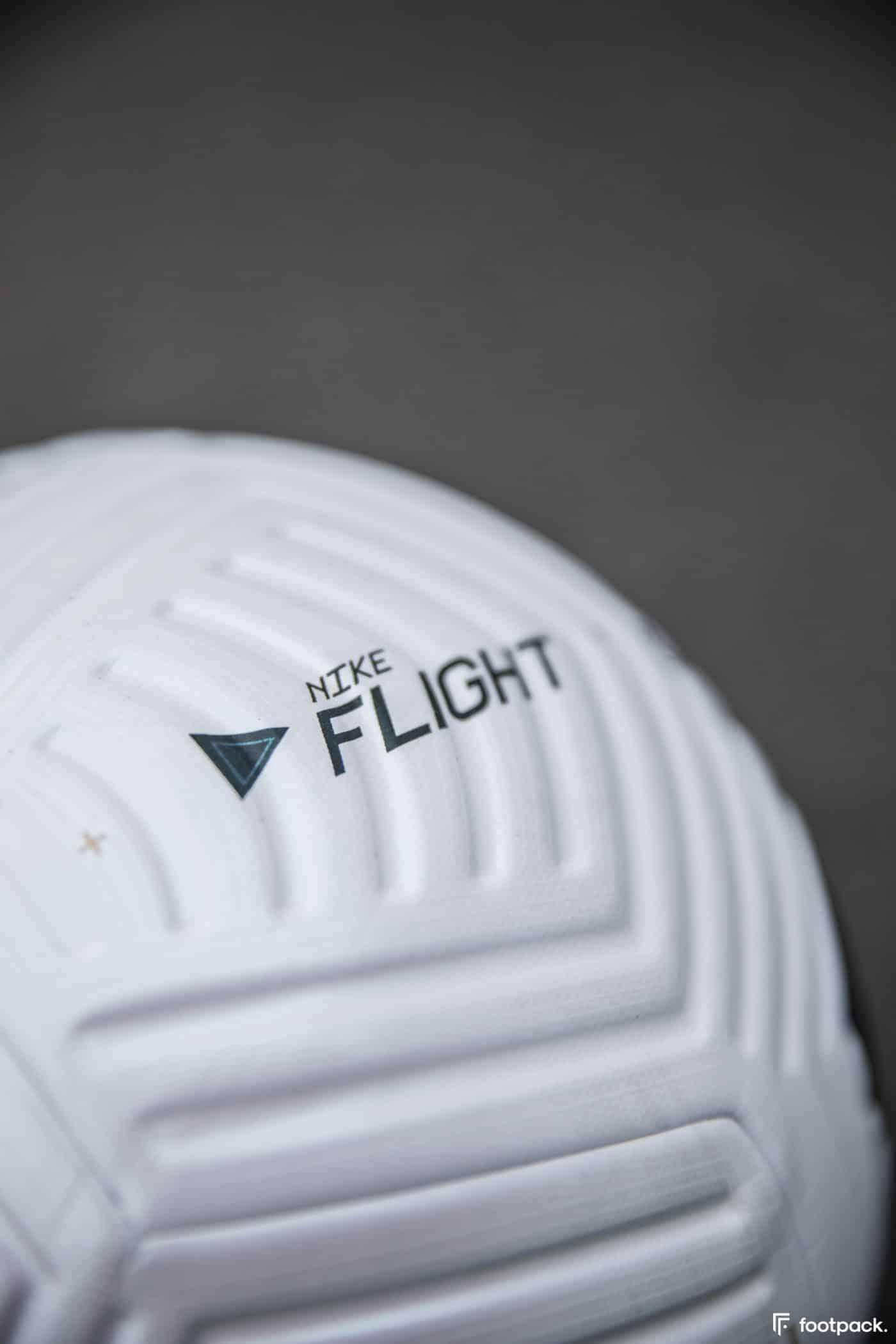 ballon-nike-flight-premier-league-serie-a-footpack-12