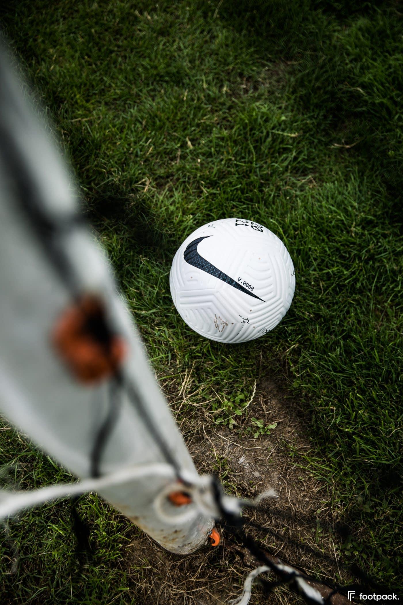 ballon-nike-flight-premier-league-serie-a-footpack-28