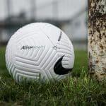 Nike Flight, le nouveau ballon de foot qui s'attaque aux problèmes aérodynamiques incohérents