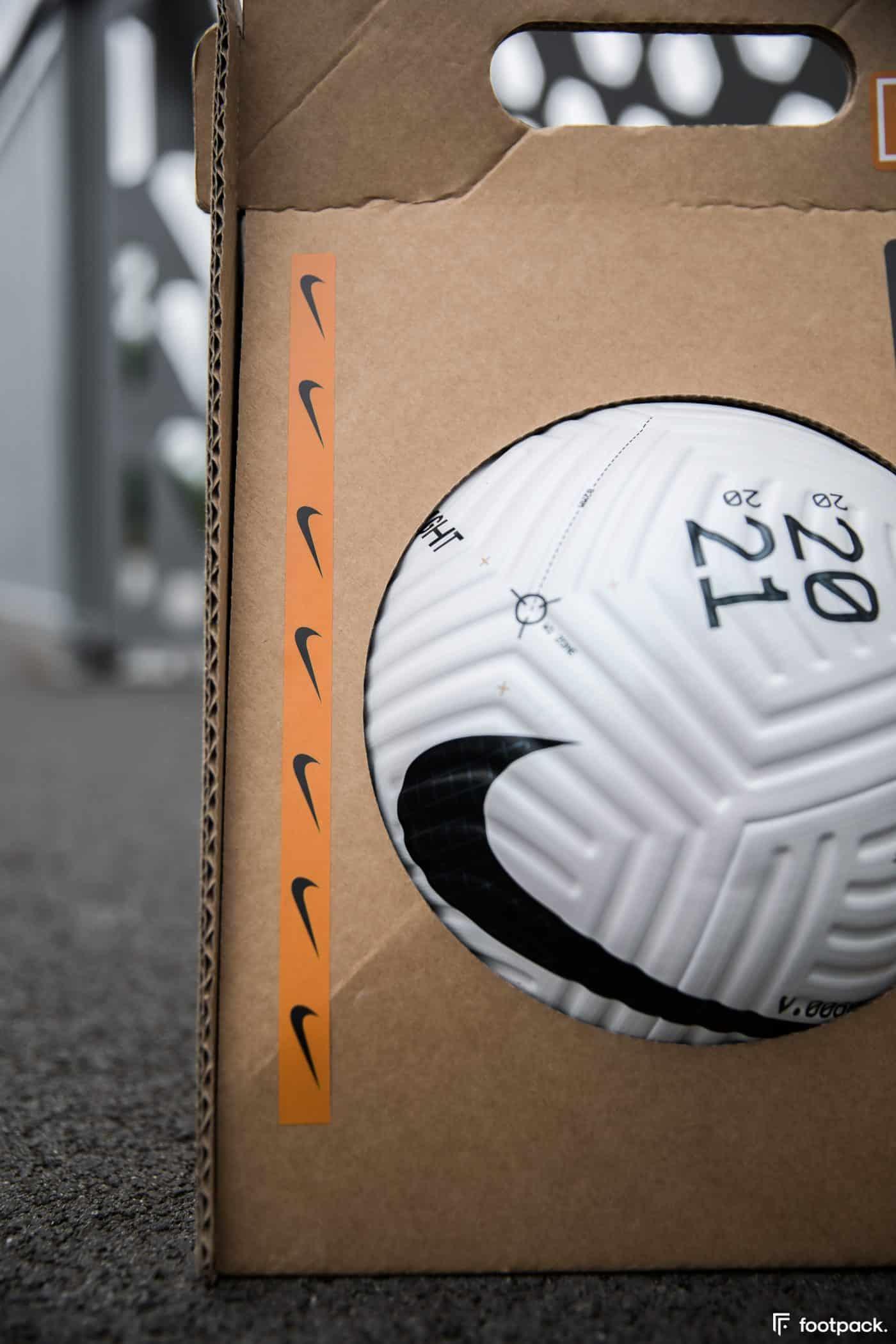 ballon-nike-flight-premier-league-serie-a-footpack-4