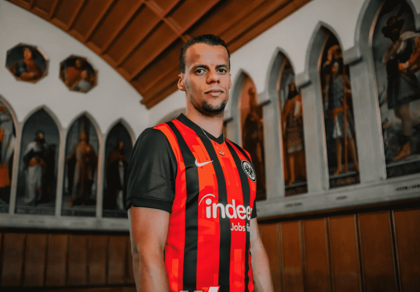 maillot-domicile-eintracht-francfort-2020-2021-nike-1