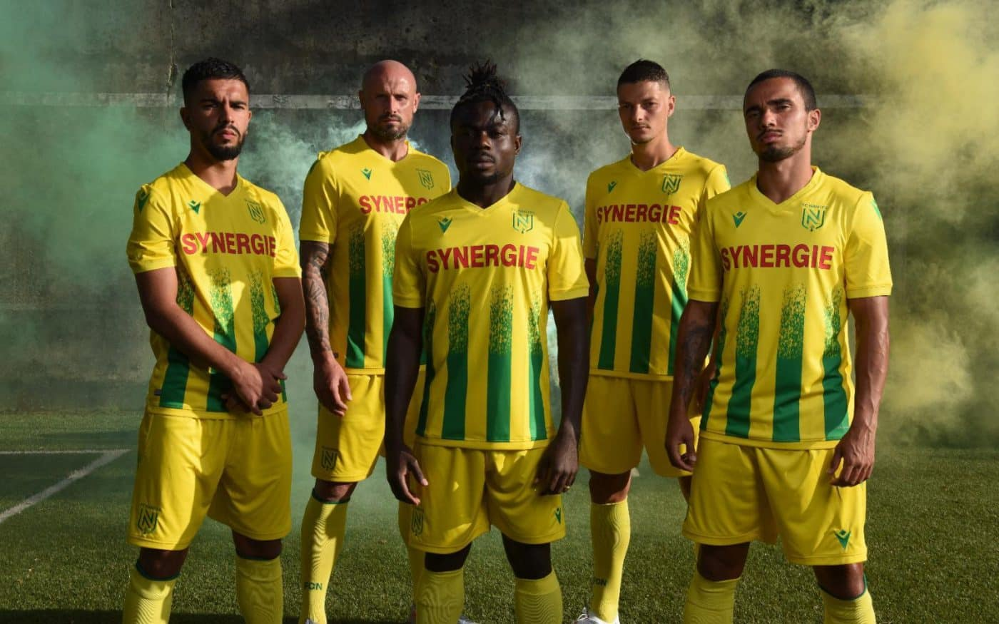 maillot-domicile-fc-nantes-2020-2021-macron-2