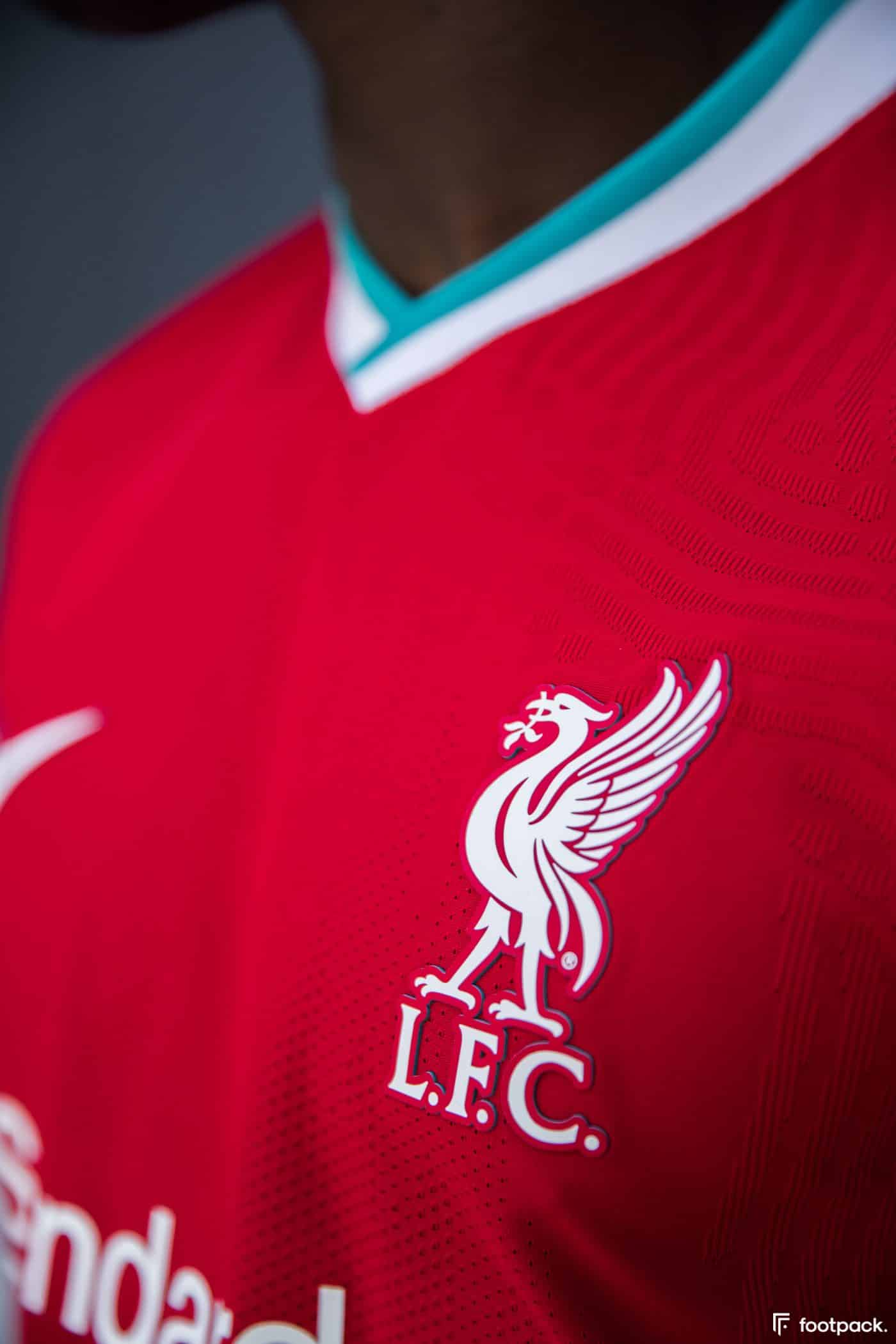 maillot-domicile-liverpool-2020-2021-nike-footpack-11