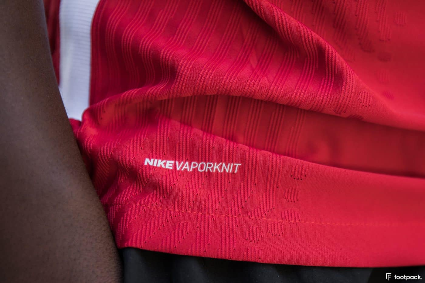 maillot-domicile-liverpool-2020-2021-nike-footpack-15