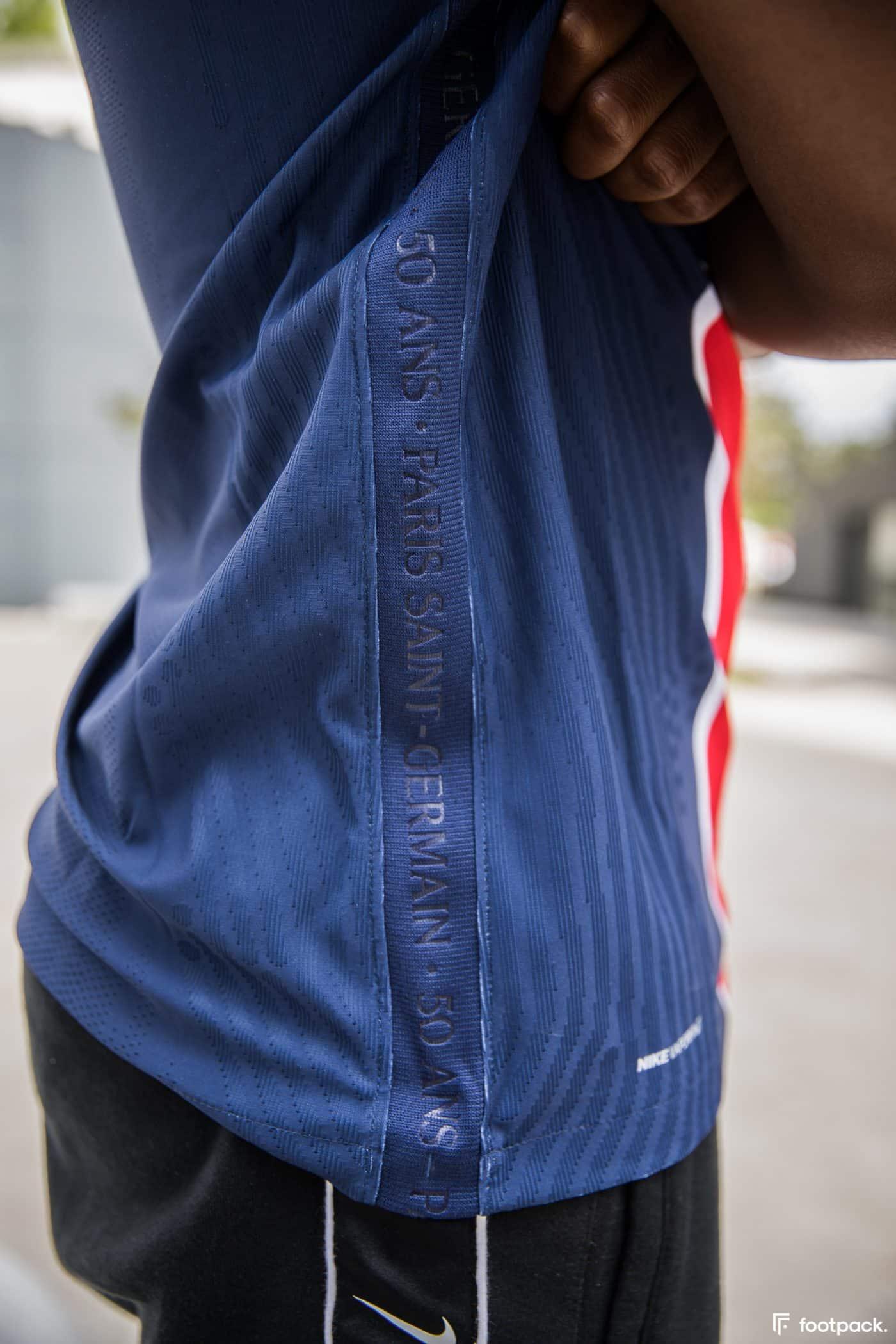 maillot-domicile-psg-2020-2021-nike-footpack-14