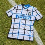 Nike dévoile le (très étonnant) maillot extérieur 20-21 de l'Inter Milan