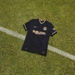 Le FC Barcelone de retour en noir sur son maillot extérieur