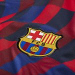 Encore un maillot pré-match très original pour le Barça