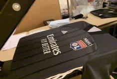 Image de l'article Pourquoi l'Olympique Lyonnais va encore porter son maillot noir contre le Bayern ?