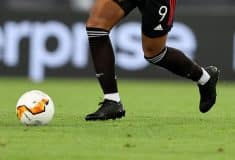 Image de l'article Martial en crampons masqués, Digne quitte adidas, Kimpembe qui hésite. Le #bootsmercato des Bleus