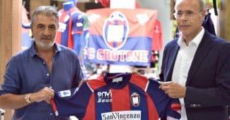 Image de l'article Crotone et la marque Zeus présentent les maillots 2020-2021