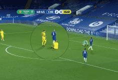 Image de l'article Contre Chelsea, un joueur joue avec un maillot sans nom et sans numéro