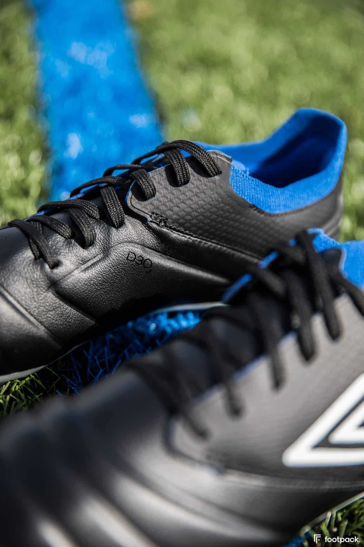 umbro-tocco-noir-bleu-2020-footpack-5