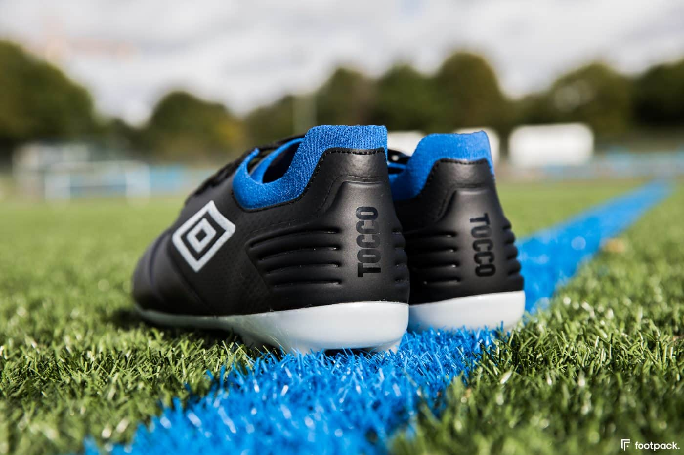 umbro-tocco-noir-bleu-2020-footpack-9
