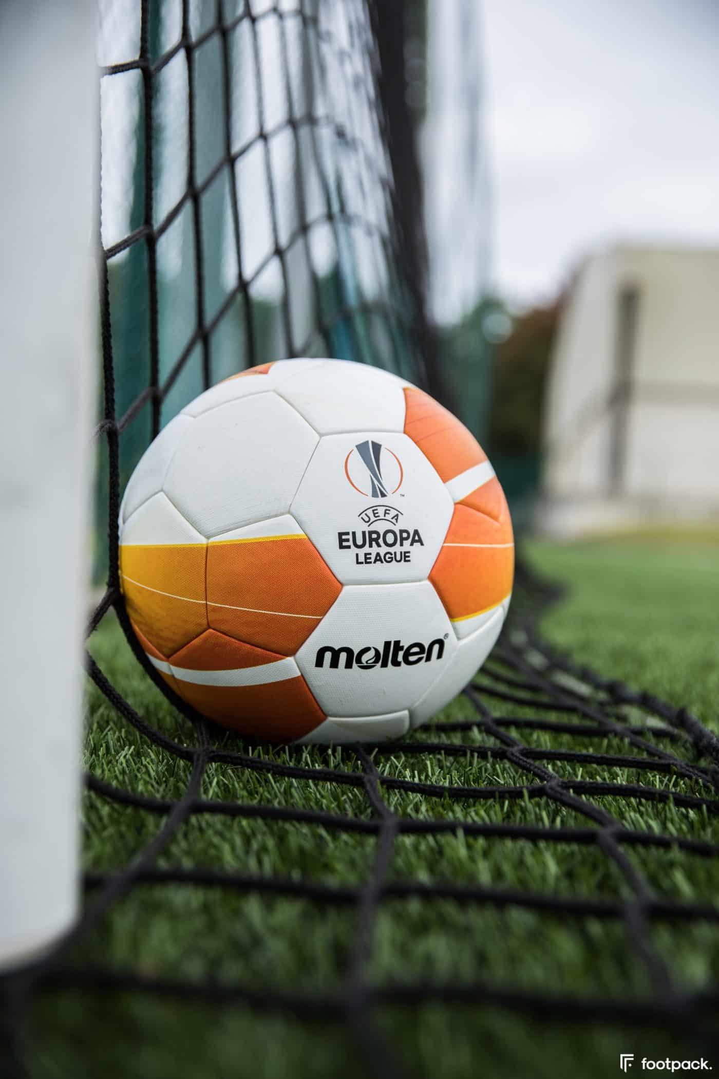 ballon-europa-league-2020-2021-footpack-1