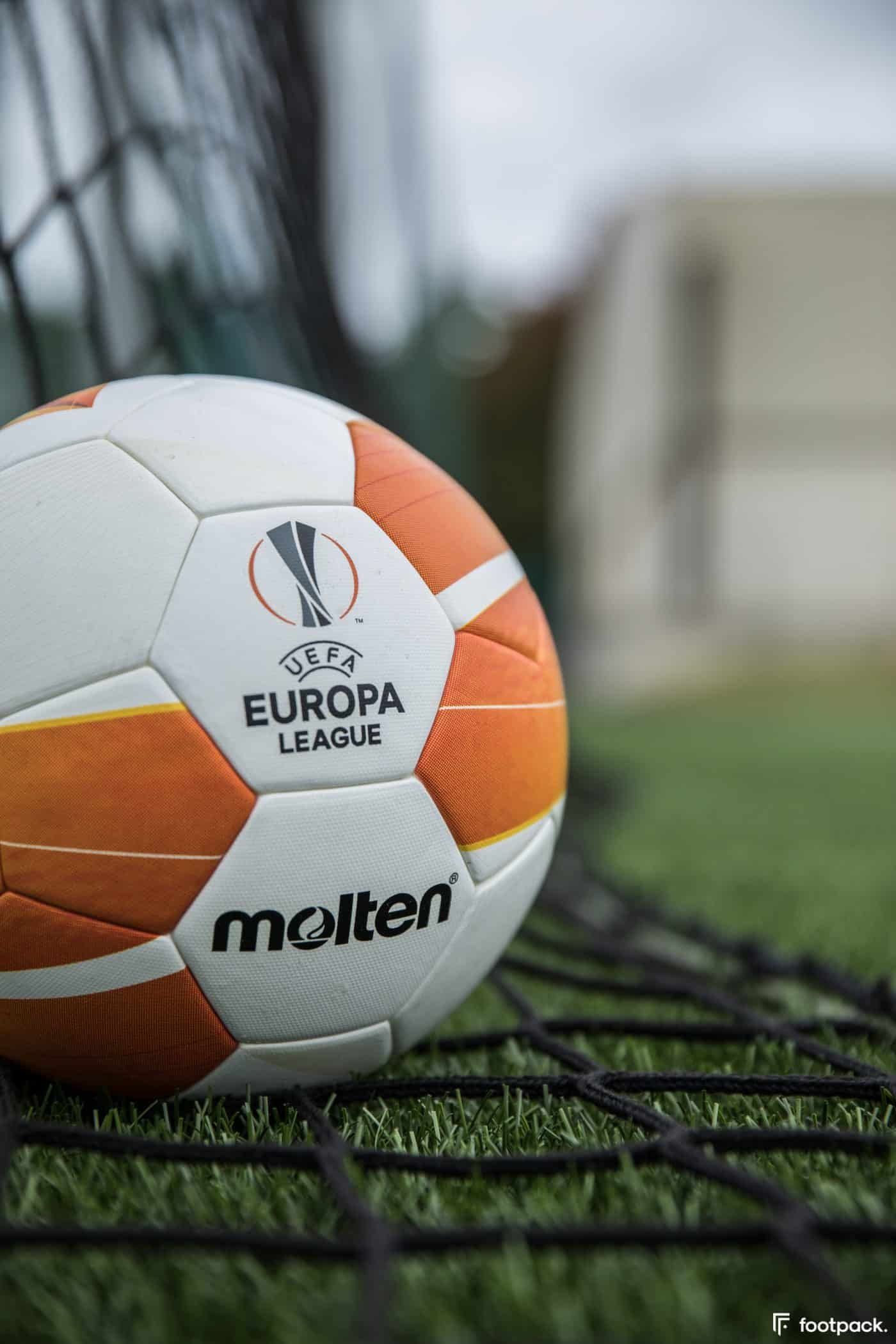 ballon-europa-league-2020-2021-footpack-2