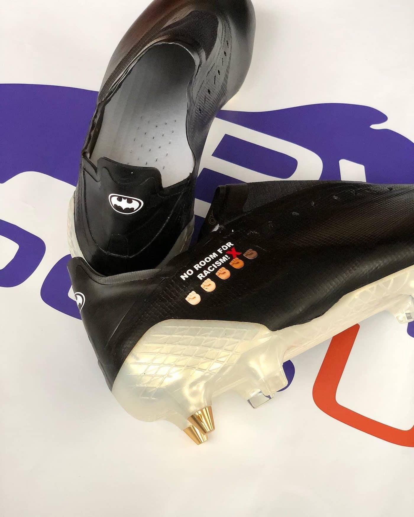 crampons-adidas-x-ghosted+-michy-bathsuayi