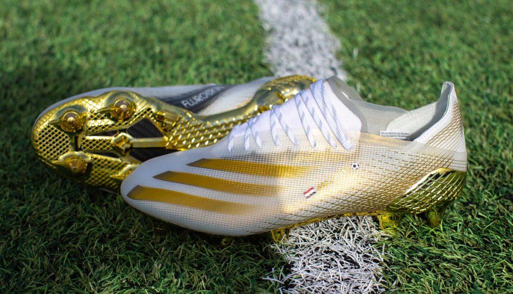 crampons-mo-salah-or-adidas-ghosted-