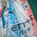 Un maillot de Manchester City dessiné par une fillette de 9 ans