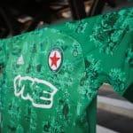 Un maillot de foot du Red Star pour enseigner l'histoire