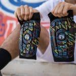 Un protège-tibia G-Form inspiré du graffiti