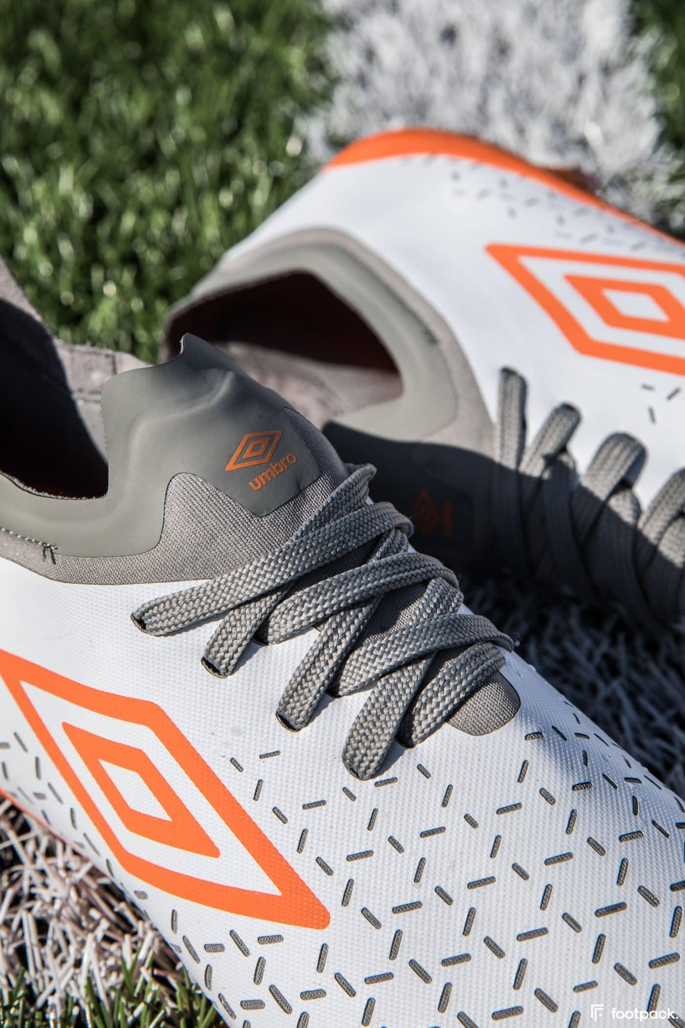 umbro-velocita-5-blanche-orange-footpack-6