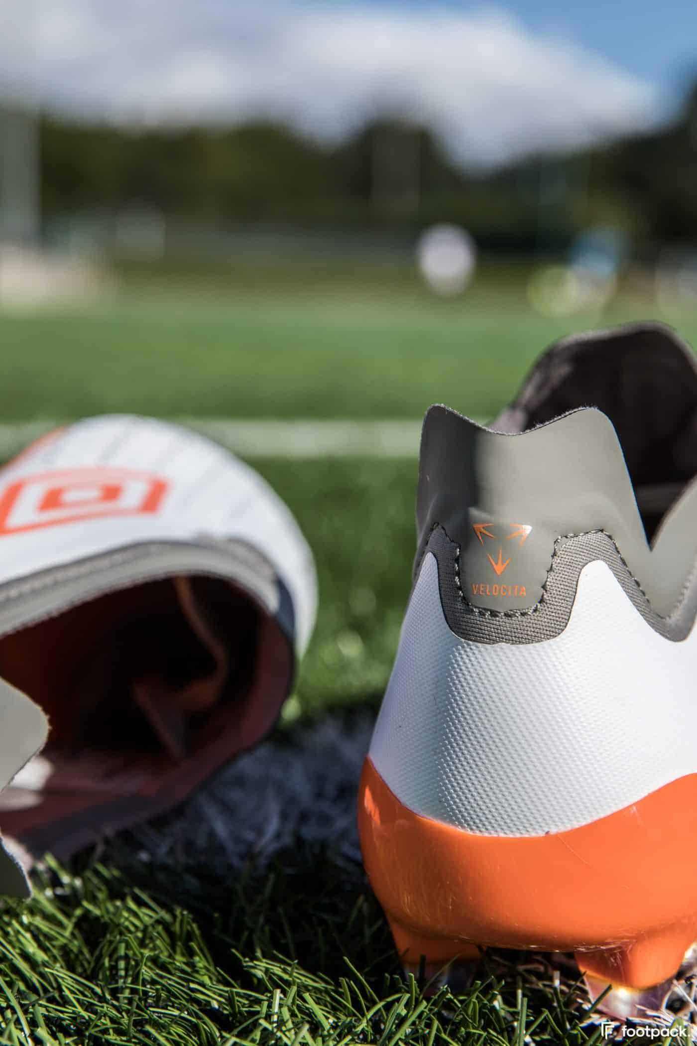umbro-velocita-5-blanche-orange-footpack-7
