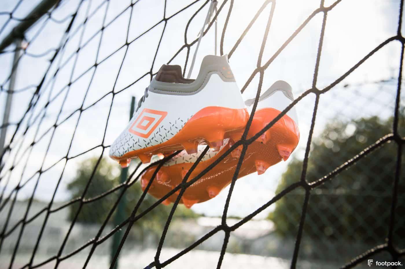 umbro-velocita-5-blanche-orange-footpack-8