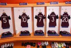 Image de l'article Neymar, Mbappé, Kimpembe. Quelles sont les petites habitudes des joueurs du PSG au niveau des équipements ?