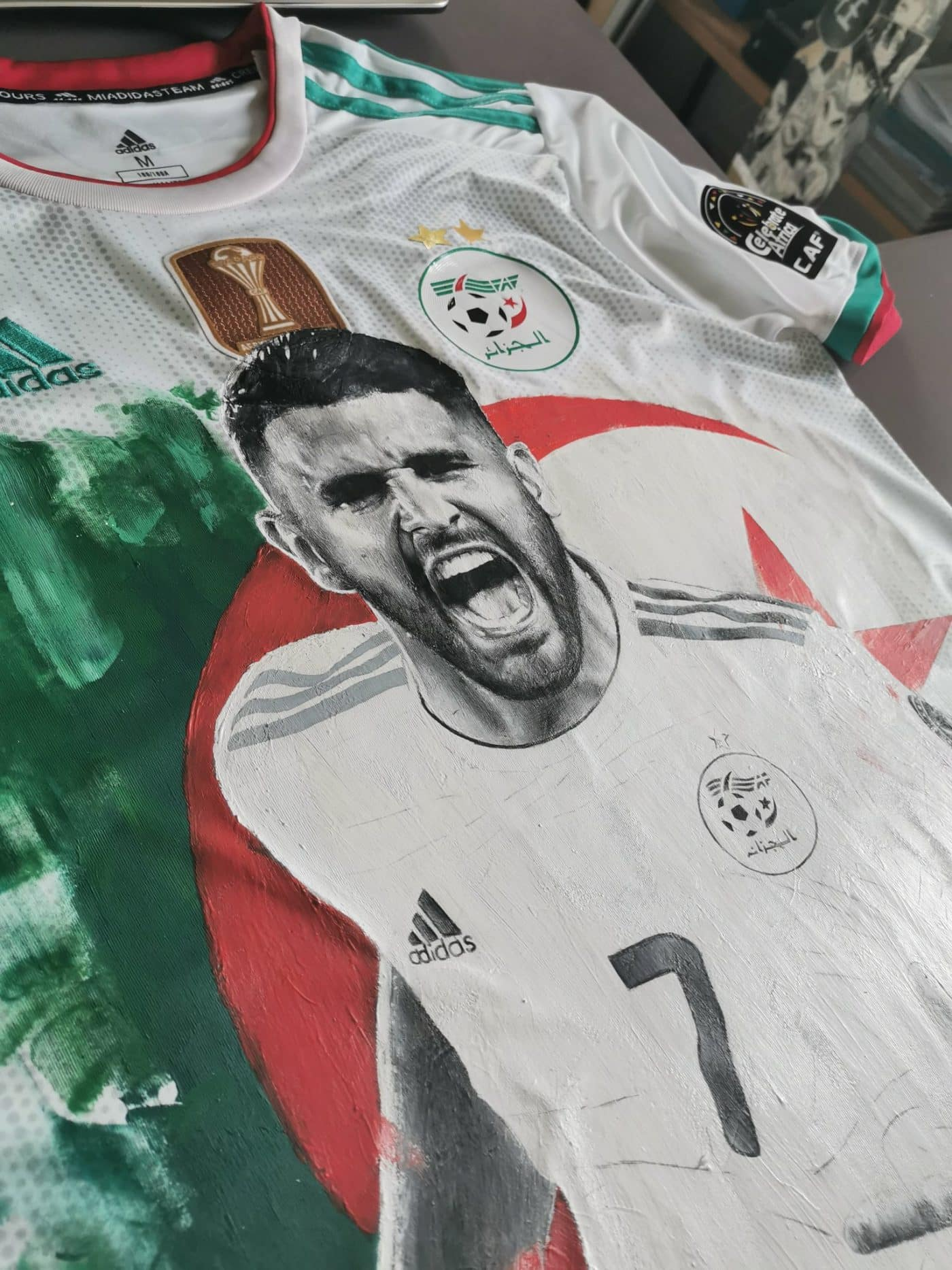mahrez-maillot-algerie-dessin-3